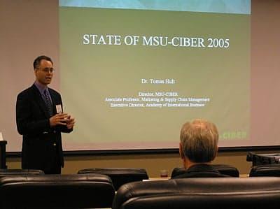 Dr. Hult